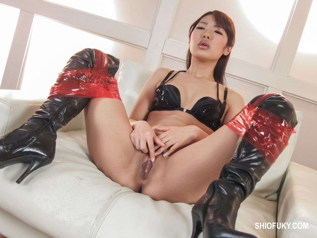 hot asian squirting Asian Public Squirt Tube Search (190 videos) - NudeVista.